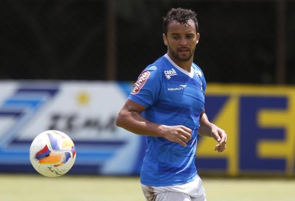 Charles, ex-volante do Cruzeiro — Foto: Washington Alves/Light Press