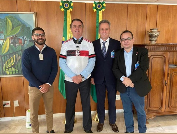 Márcio Tannure, Jair Bolsonaro, Rodolfo Landim e Alexsander Santos se reúnem em Brasília — Foto: Divulgação