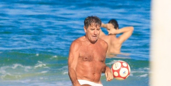 Renato Portaluppi Gaúcho praia — Foto: JC Pereira/AGNews