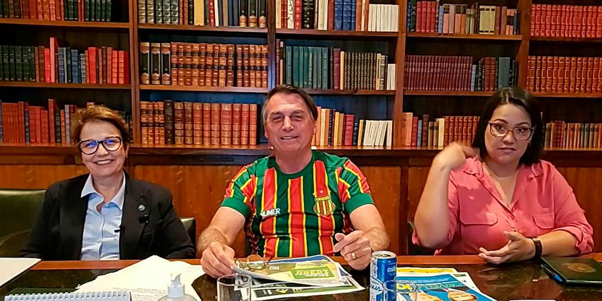 Bolsonaro se envolve em polêmica com refrigerante. (Foto: Reprodução)