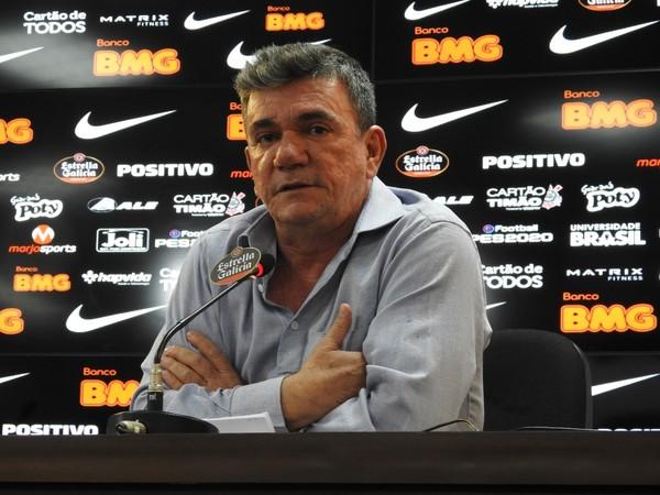 Presidente do Corinthians, Andrés Sanchez, é contra a volta do futebol no Brasil agora — Foto: Bruno Cassucci