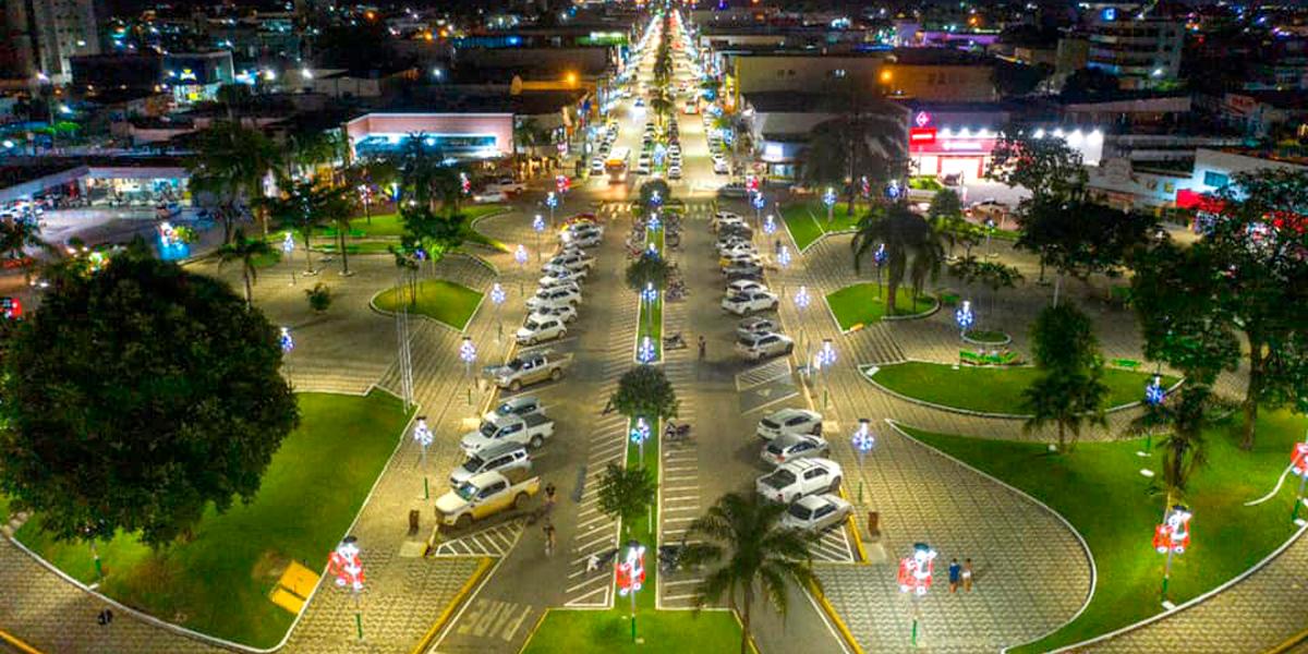 Luzes de natal em Sinop. (Foto: Assessoria)