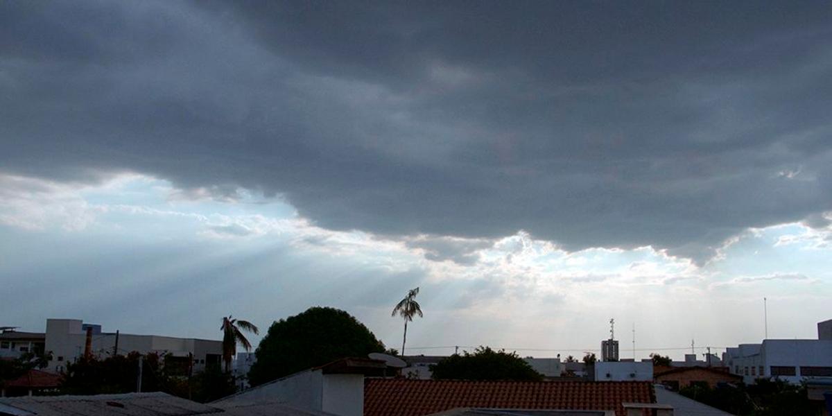 Alerta de possível temporal de granizo em Sinop. (Foto: Só Noticias)